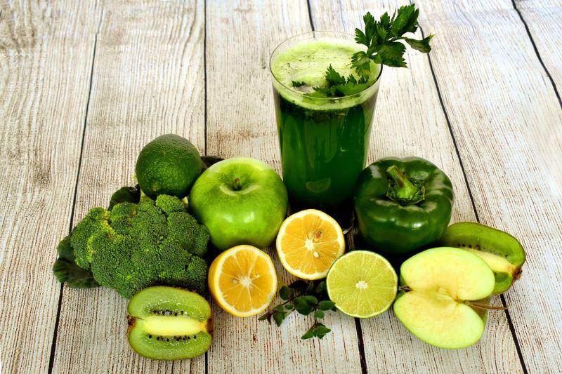 Smoothie mela verde, kiwi e lime
