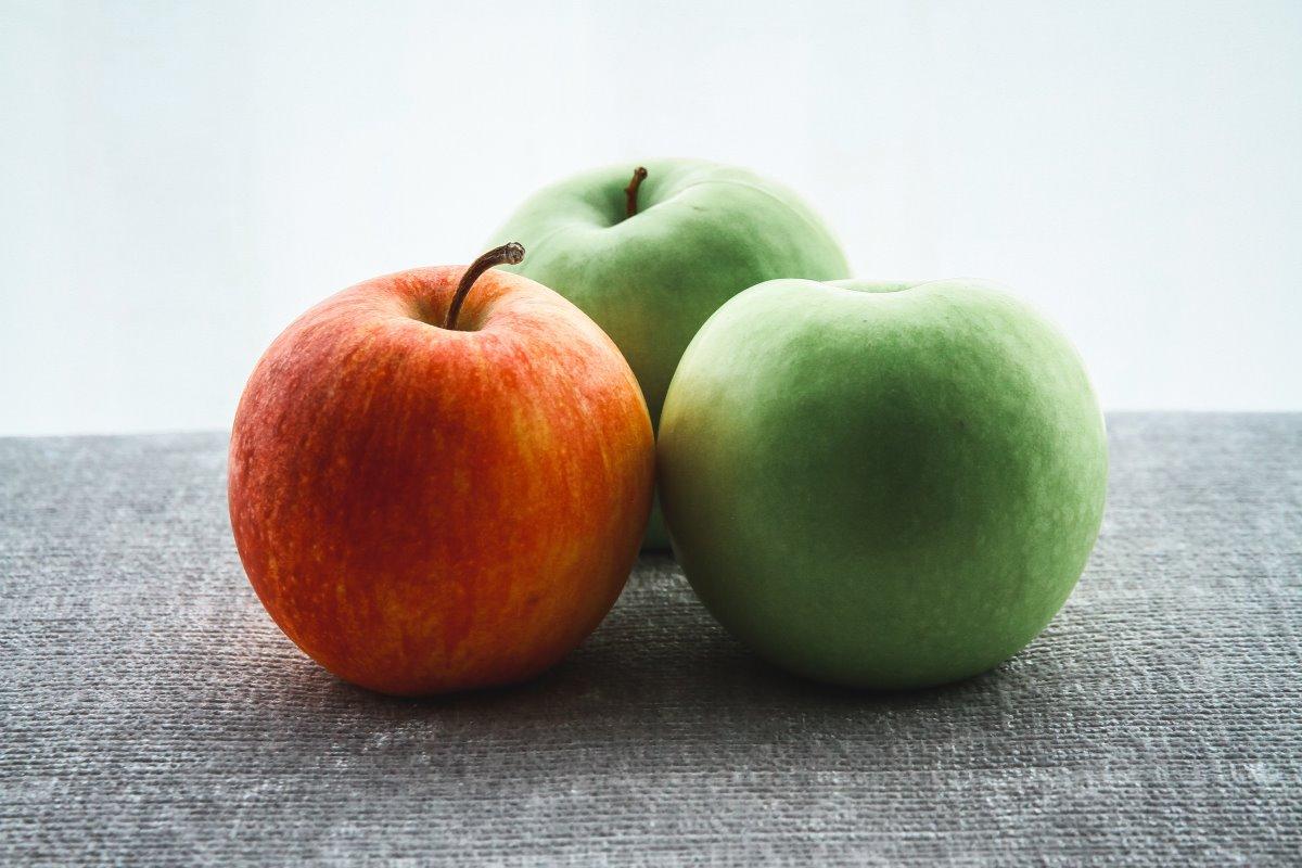 Differenti varietà di mele