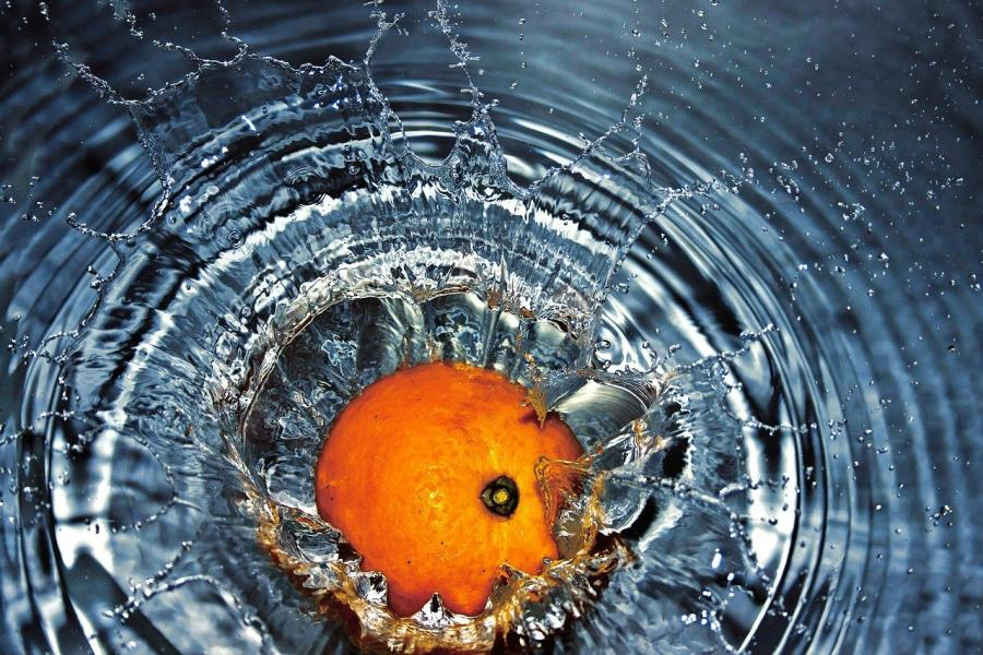 Arancia in acqua