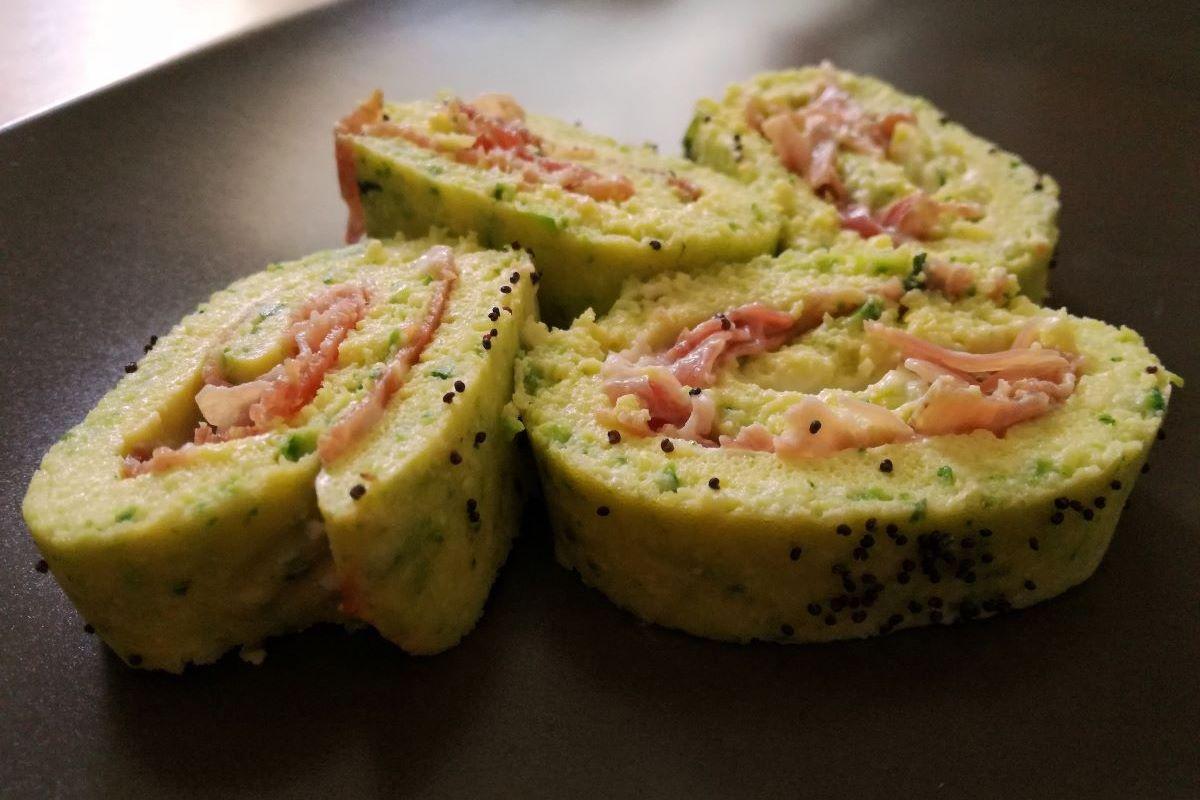 Frittata con zucchine, robiola e prosciutto crudo