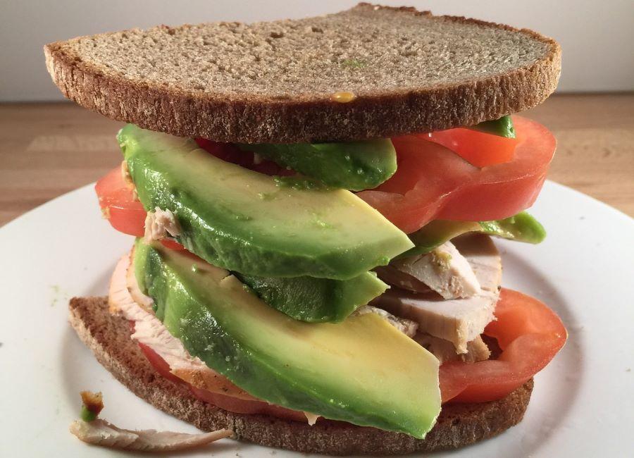 Sandwich tacchino e avocado