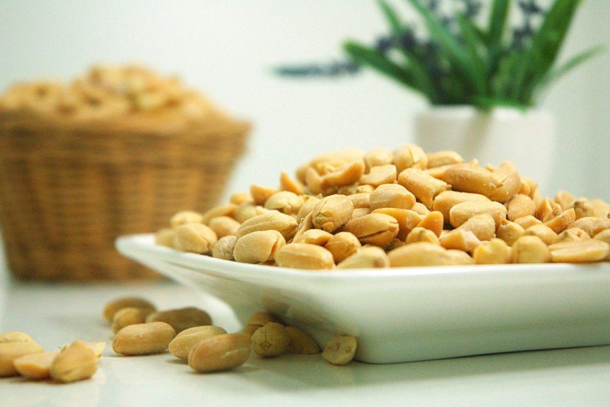 Arachidi: calorie, proprietà e benefici