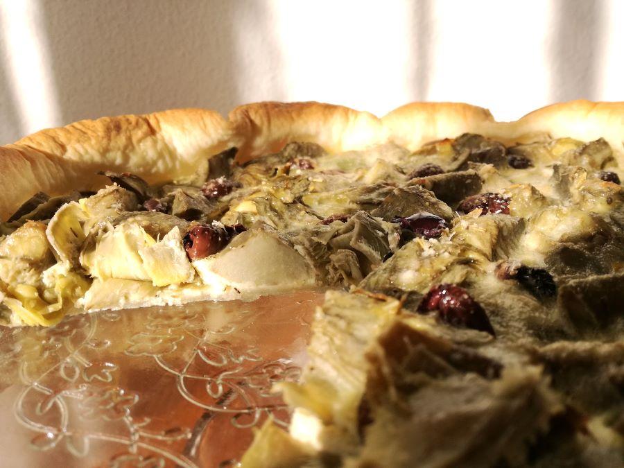 Quiche carciofi e olive tagliata