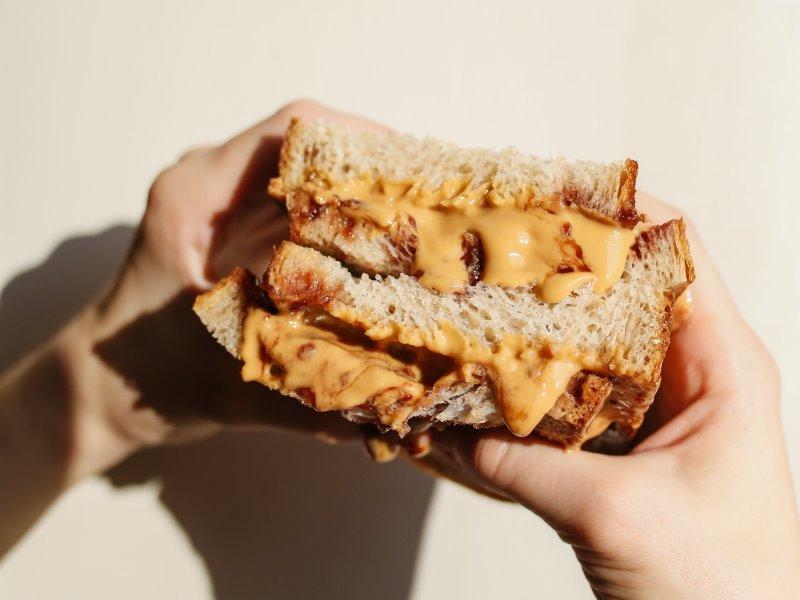 Sandwich al burro di arachidi
