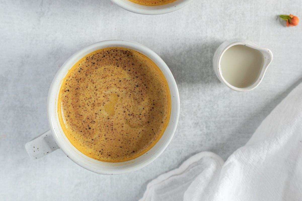Latte d'oro: ricetta, benefici e controindicazioni