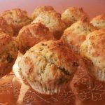Muffin salati con patate e broccoli