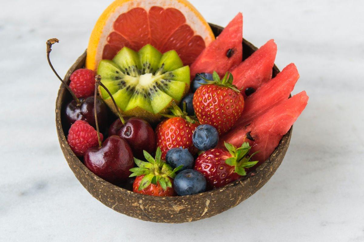 Frutta dopo i pasti o prima, quando è meglio mangiarla