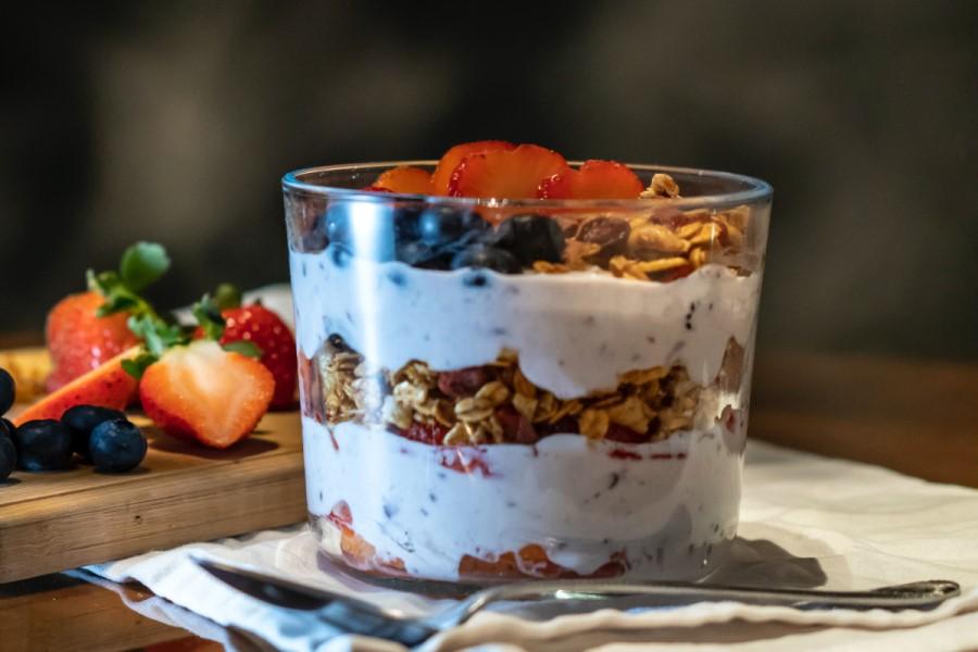 Yogurt greco con frutta secca
