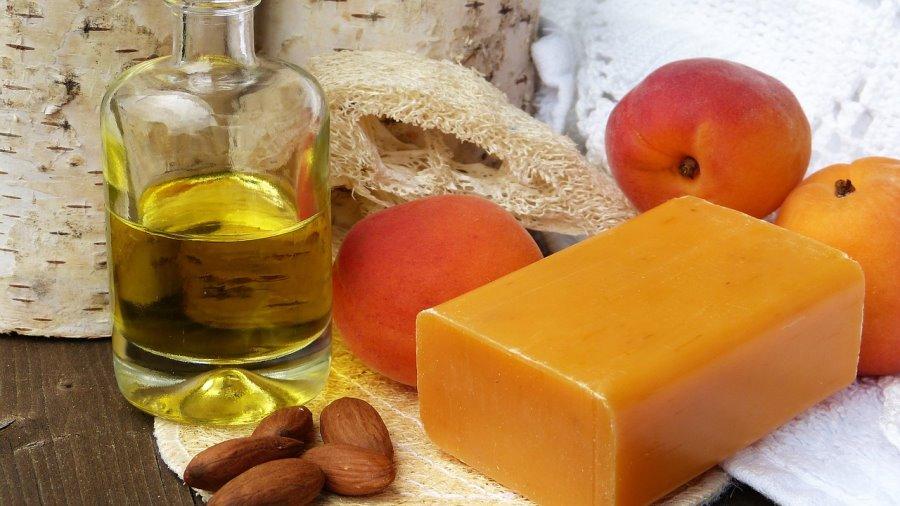 Cosmetici con olio di albicocca