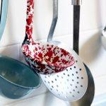 Gli utensili da cucina indispensabili: elenco, nomi, immagini