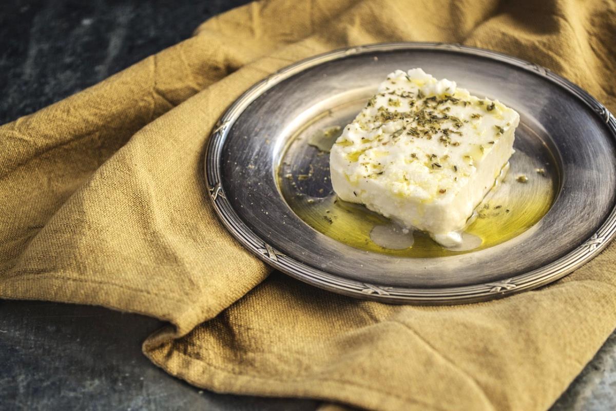 I formaggi tipici greci da provare (non solo feta)