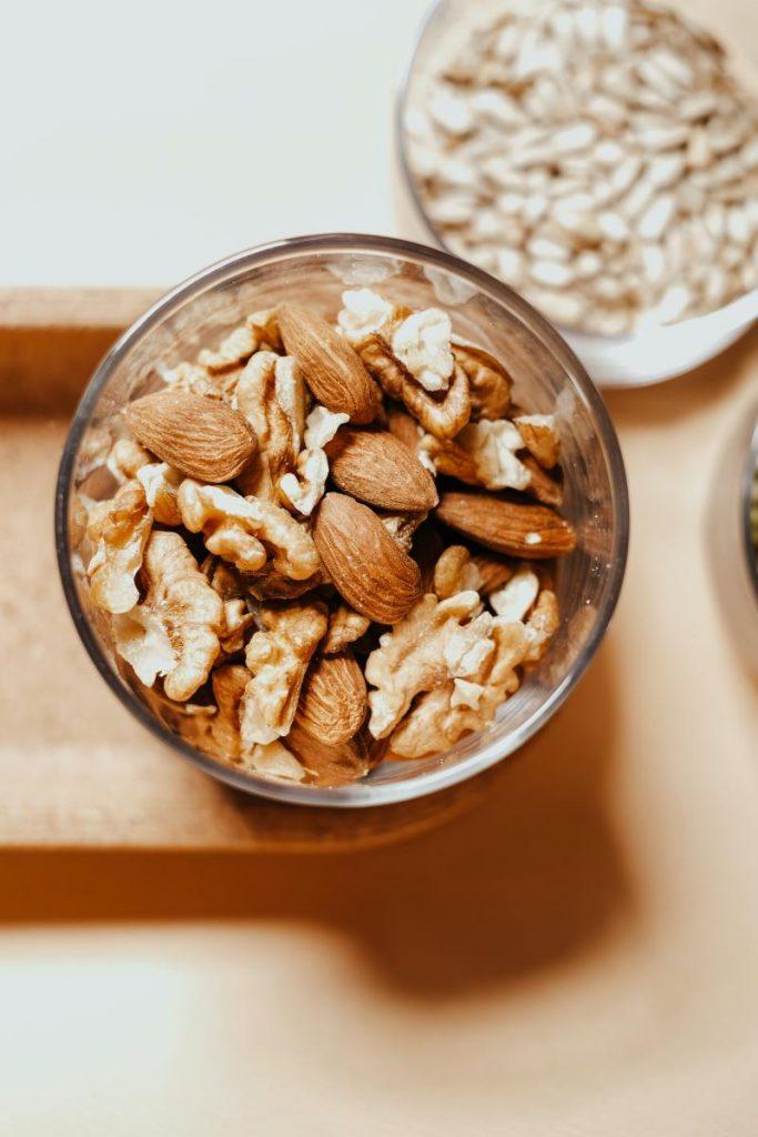 Frutta secca e semi ricchi di magnesio