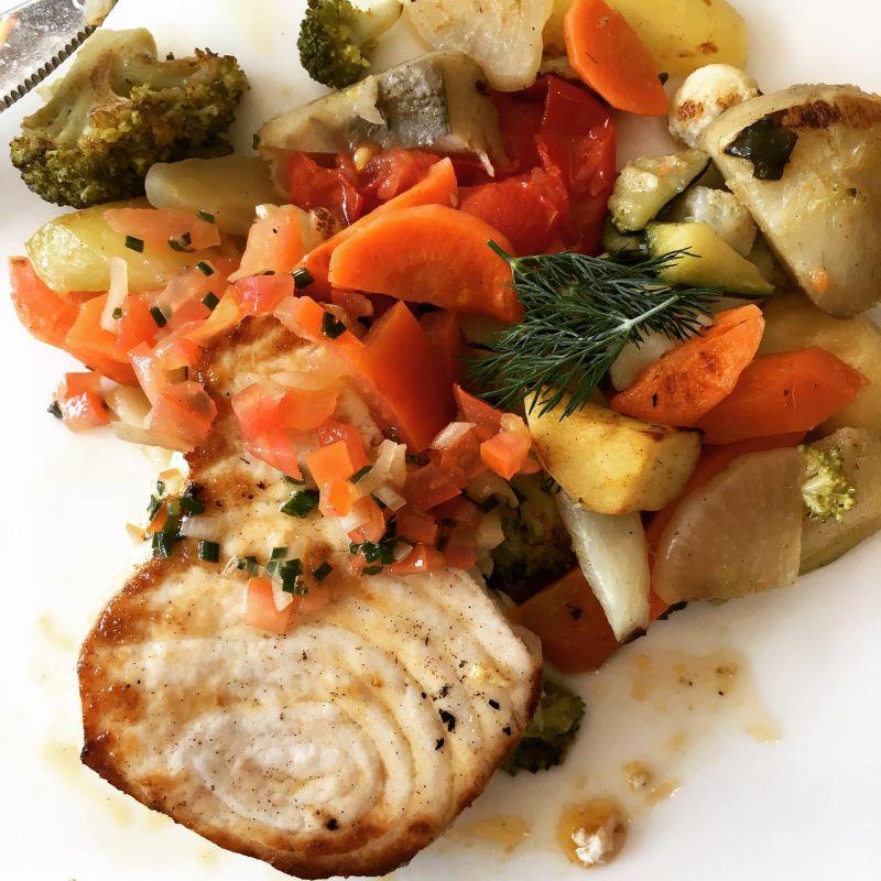 Pesce spada con patate e carote