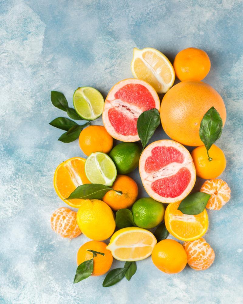 Agrumi gialli e arancioni